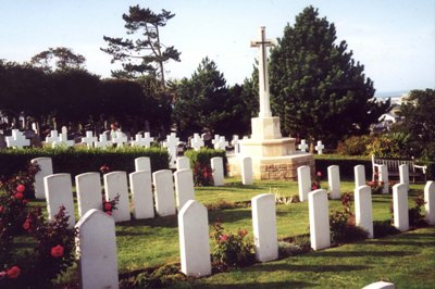 Commonwealth War Graves Cherbourg