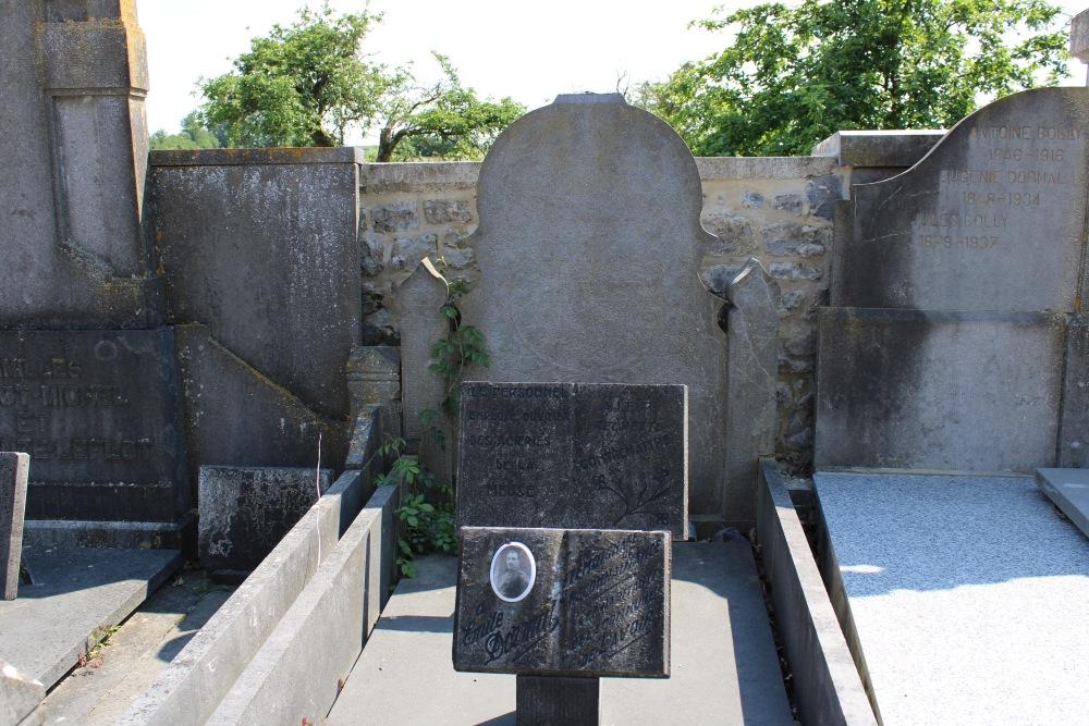 Veteran War Graves Lavoir
