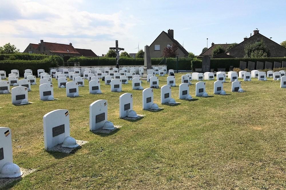 Graven Oorlogsveteranen Oude Gemeentelijke Begraafplaats Heist