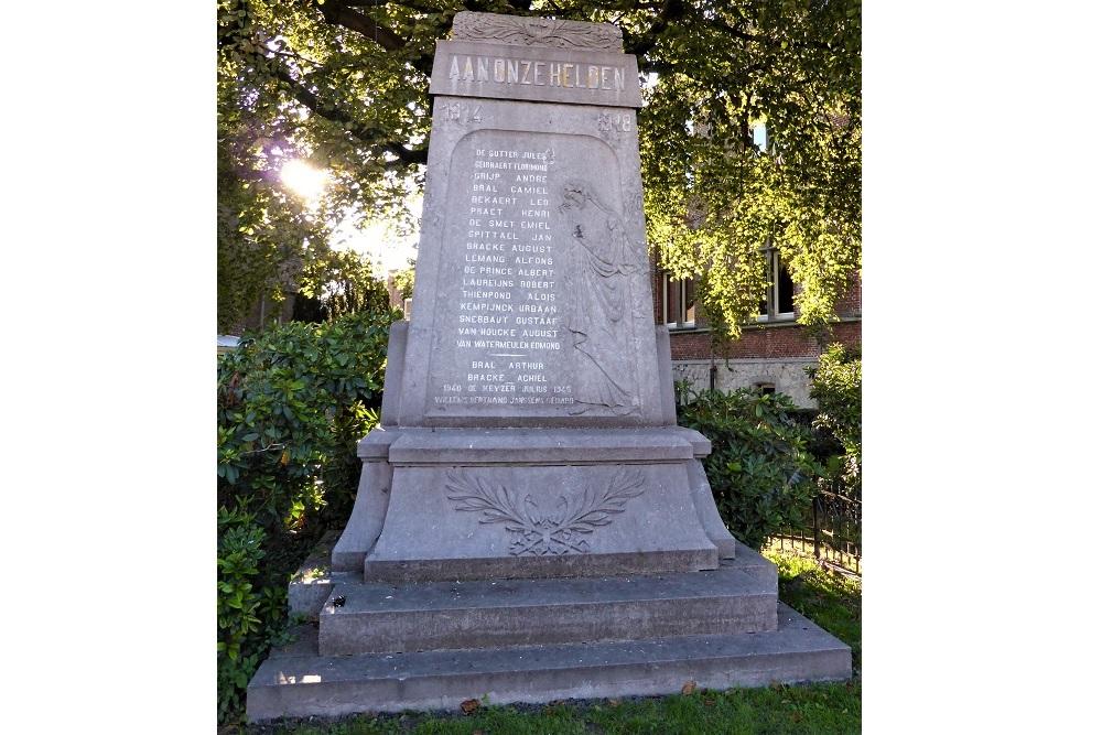 War Memorial Sint-Laureins