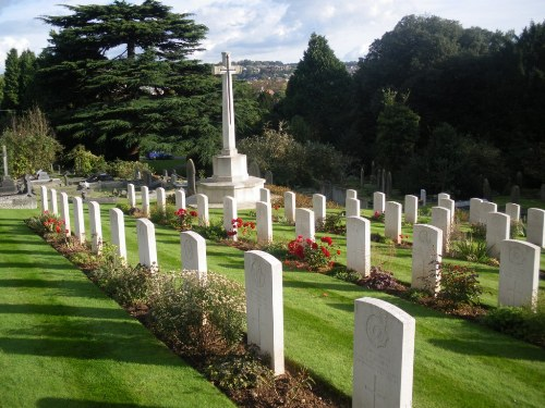 Commonwealth War Graves Locksbrook Cemetery