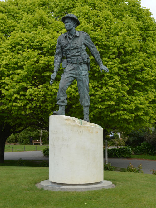 Charles Upham (VC and Bar) Statue