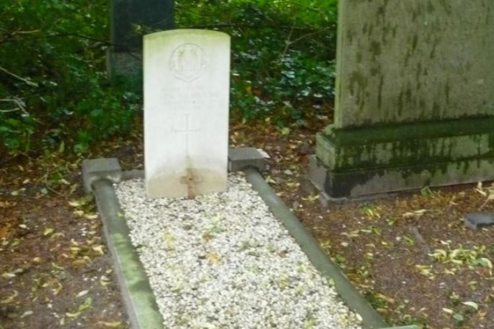 Commonwealth War Grave Den Bosch (Orthen)