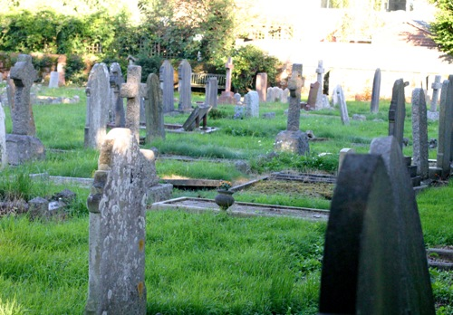 Commonwealth War Graves Alphington Church Cemetery