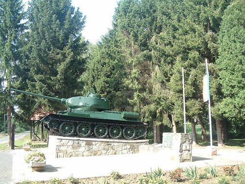 T-34/85 Tank Nemesmedves