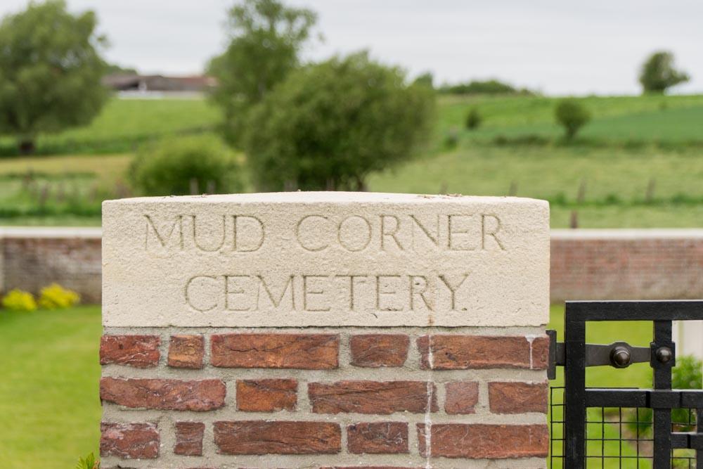 Oorlogsbegraafplaats van het Gemenebest Mud Corner