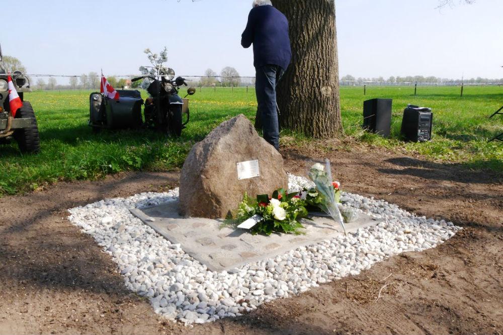 Monument Sgt England en Tpr Buschensky