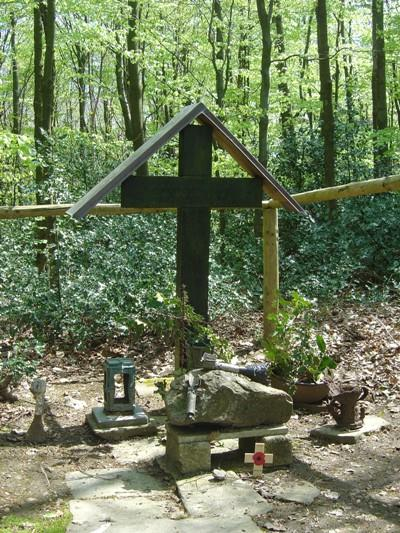 Memorial Cross Edgar Brunnenau