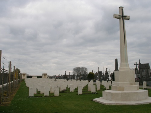 Commonwealth War Graves Estaires Extension