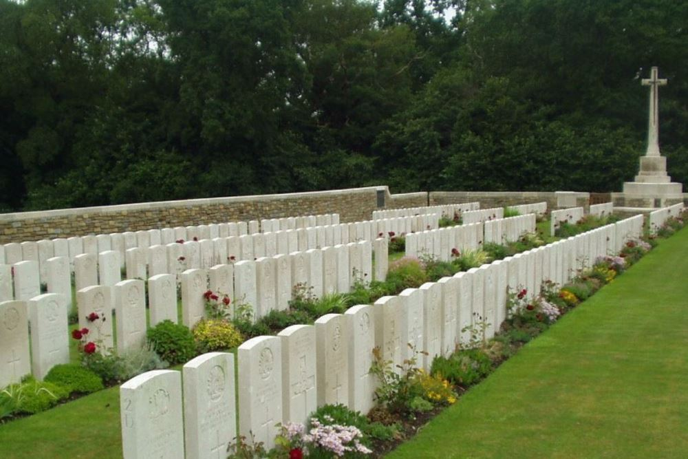 Commonwealth War Cemetery Ebblinghem