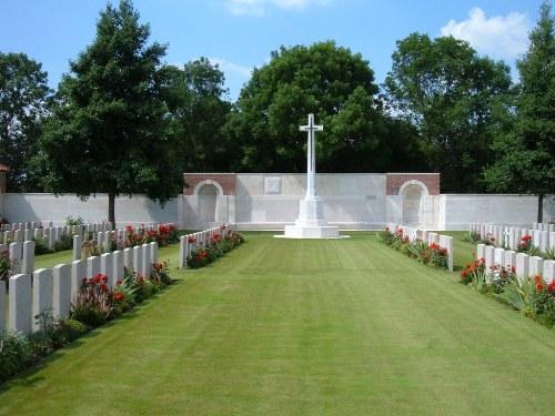 Oorlogsbegraafplaats van het Gemenebest Grévillers