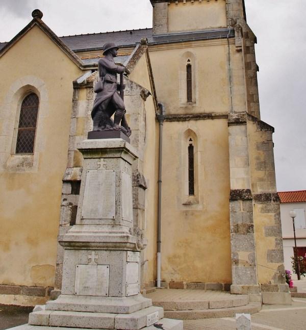 War Memorial Nieul-le-Dolent