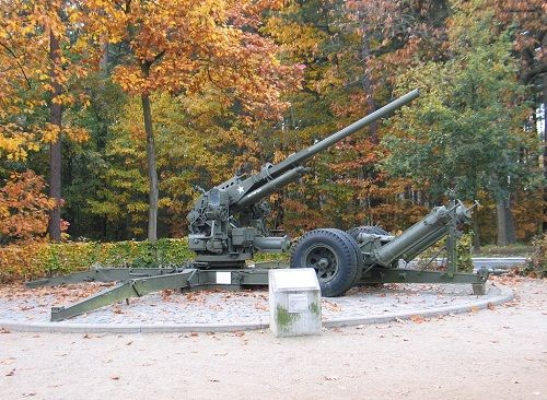 American 90mm Gun Kalmthout