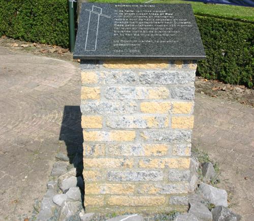Monument 'Sporen die Bleven' Oostrum
