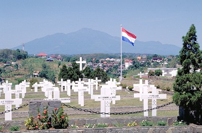 Dutch War Cemetery Candi