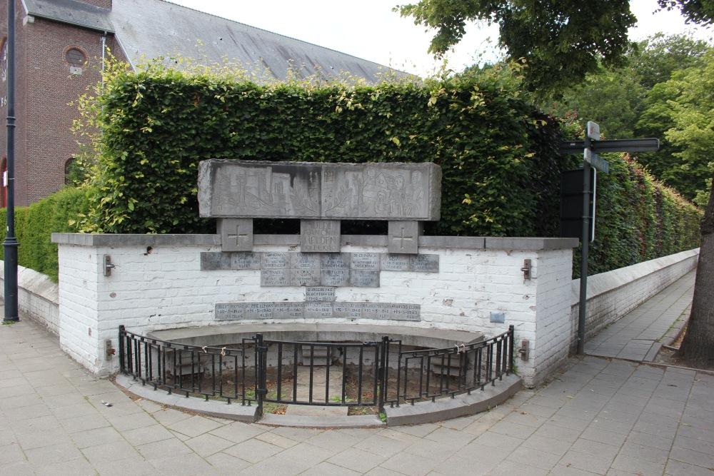 War Memorial Maldegem Kleit