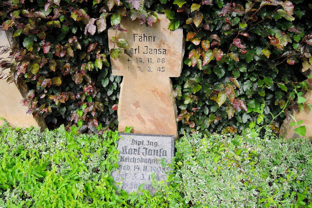War Graves Kapellen