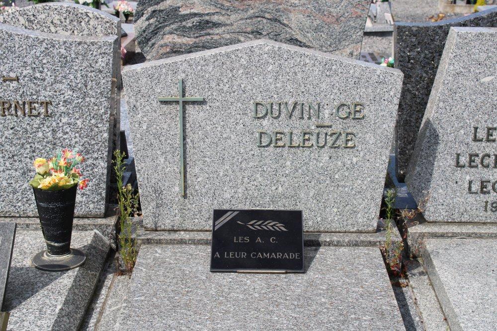 Veteran War Graves Bury