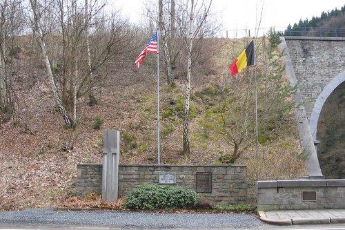 Monument Burgerslachtoffers Trois-Ponts