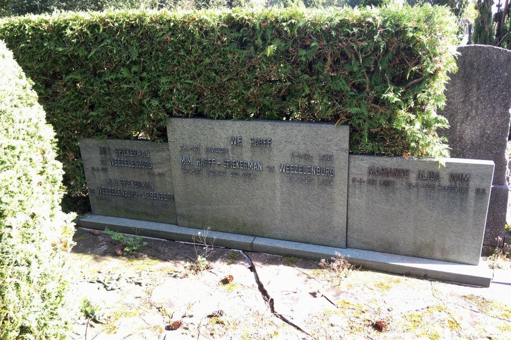 Gemeentelijke Begraafplaats Laren