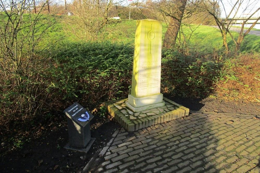 Monument Katerveer nabij IJsselbrug