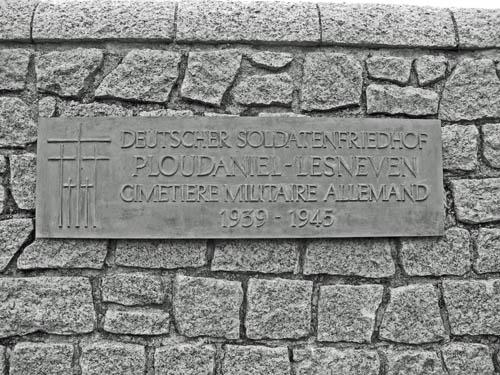 German War Cemetery Ploudaniel-Lesneven