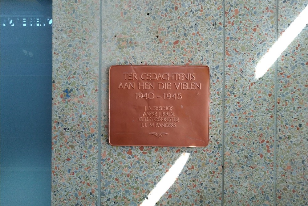 Plaque Killed NS Employees Enschede