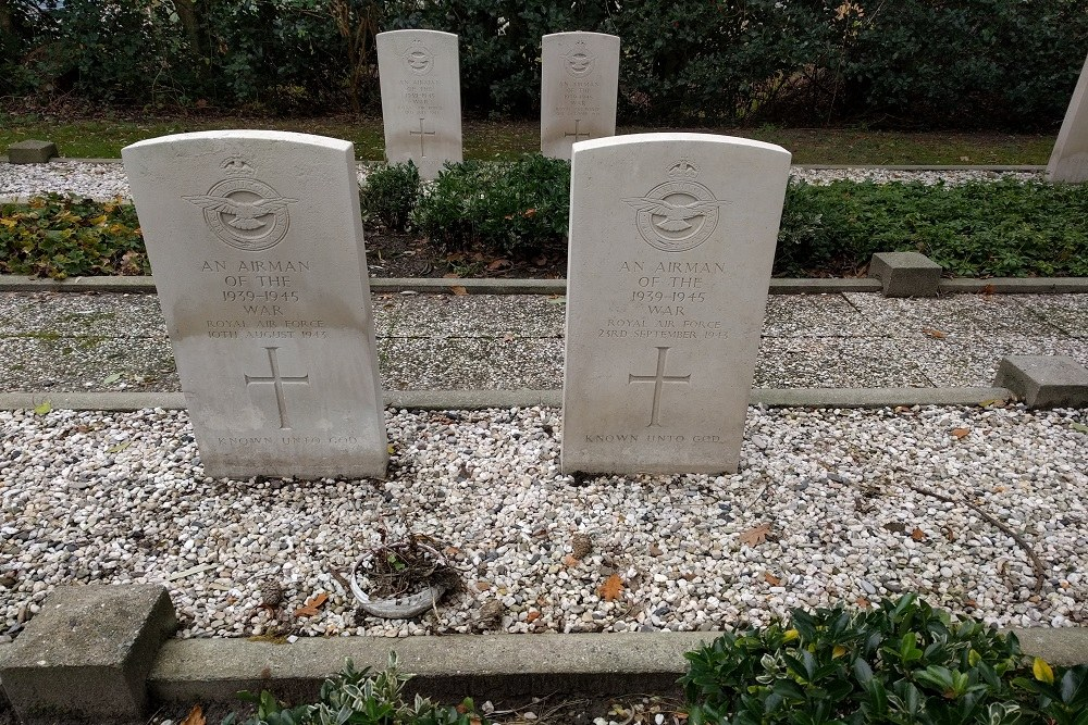 Commonwealth War Graves General Cemetery Ouddorp