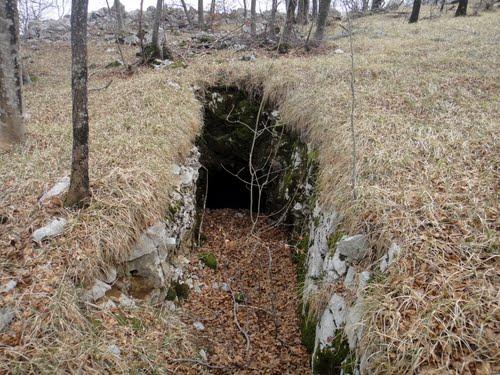 Alpine Wall - Underground Bunker Studena (A)