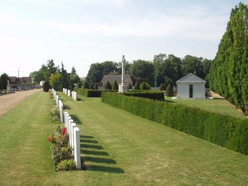 Commonwealth War Graves Dreux