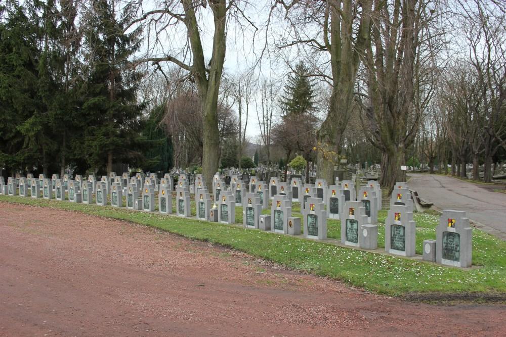Graven Oudstrijders Begraafplaats Robermont