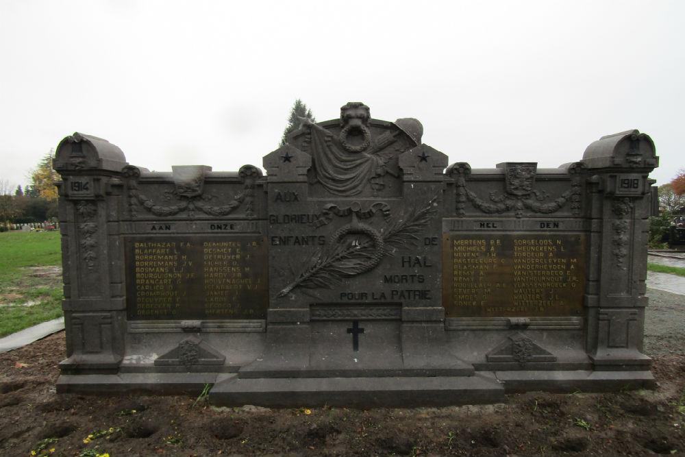 Oorlogsmonument Begraafplaats Halle