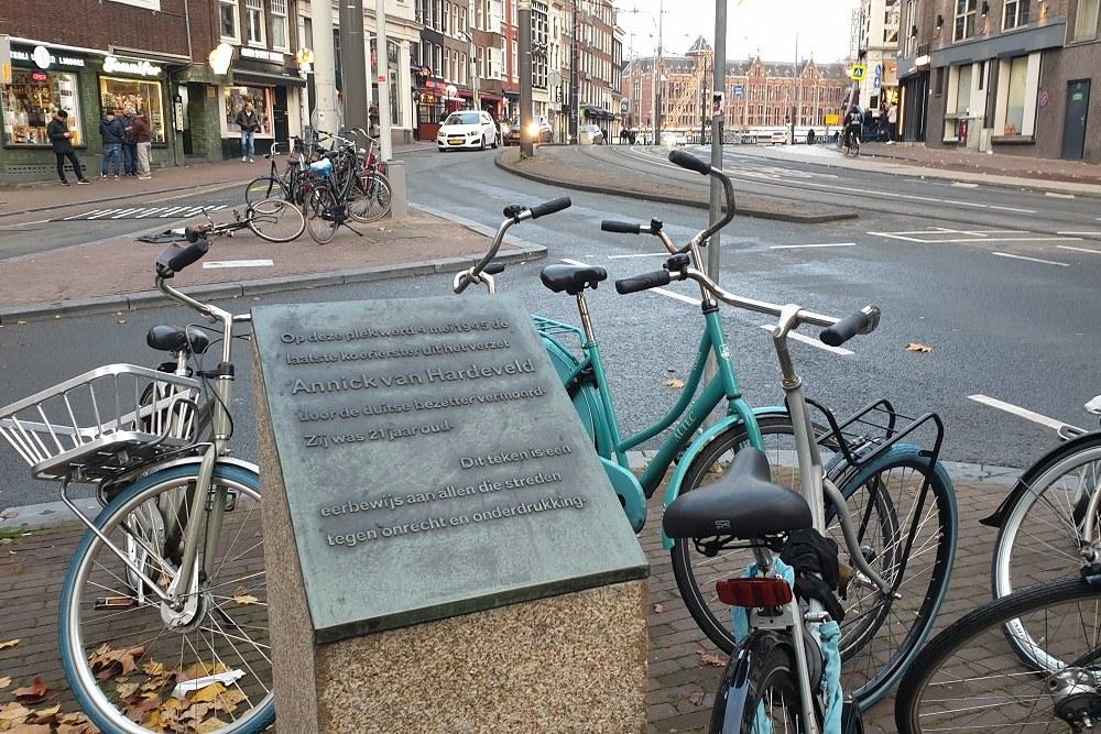 Memorial Execution Annick van Hardeveld