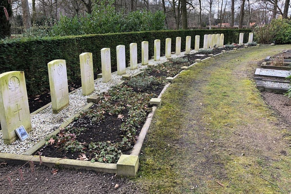 Commonwealth War Graves Municipal Cemetery 't Groenedael  Almelo