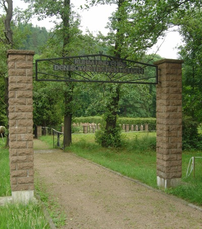 Sovjet Oorlogsbegraafplaats Dippoldiswalde