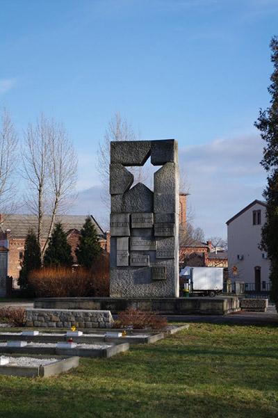 Sovjet Oorlogsbegraafplaats Zary