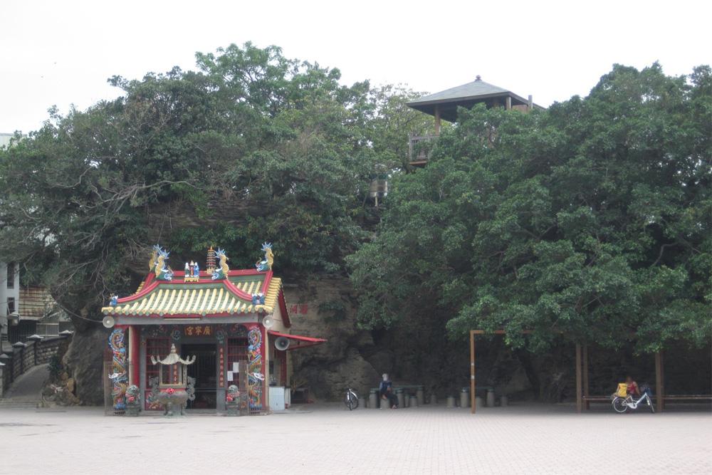 ShiPai Temple