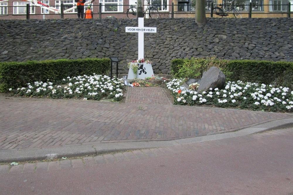 Memorial Executions 03-04-1945 Oostzeedijk Beneden