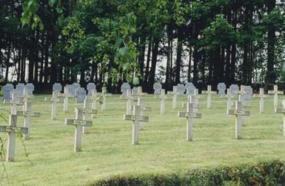 Duits-Franse Oorlogsbegraafplaats Neufchâteau