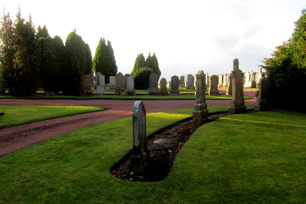 Commonwealth War Graves Carnwath New Cemetery