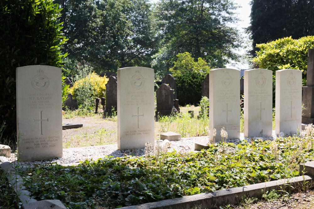 Commonwealth War Graves General Cemetery Hengelo