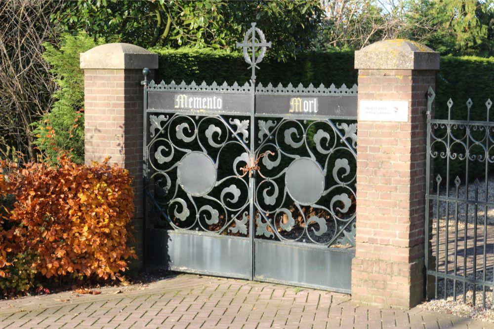 Nederlandse Oorlogsgraven Rooms Katholieke Begraafplaats Boven-Leeuwen