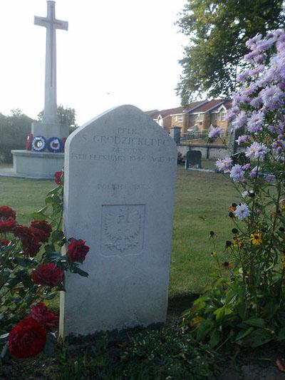 Polish War Graves Star Lane