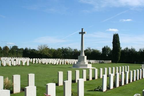 Oorlogsbegraafplaats van het Gemenebest Saint-Charles-de-Percy