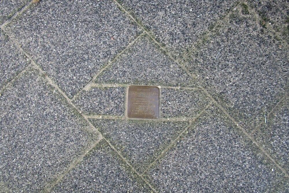 Herdenkingsstenen Van Lansbergestraat 100