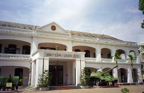 Hasil gambar untuk vietnam military house museum