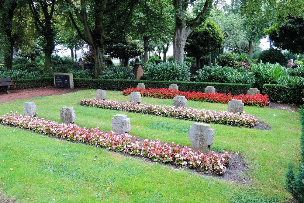 War Memorial And Graves Vorst