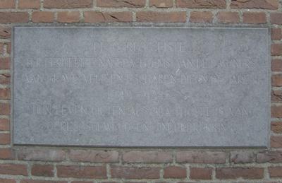 Oorlogsmonument Grave