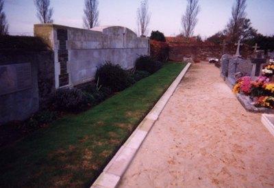 Commonwealth War Graves Les Moutiers-en-Retz