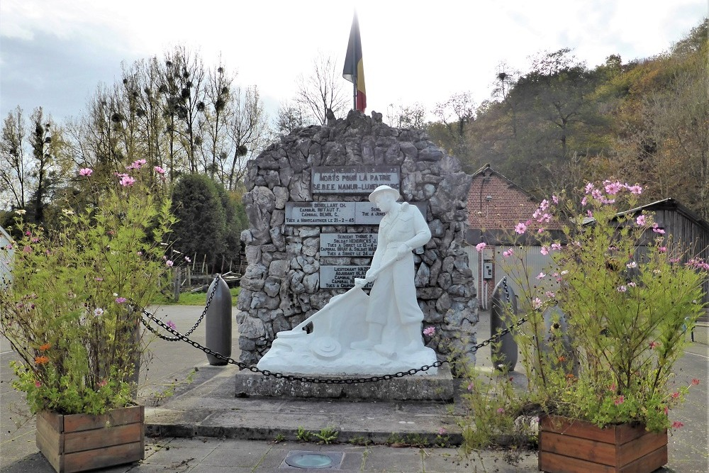 Monument to the Deminers